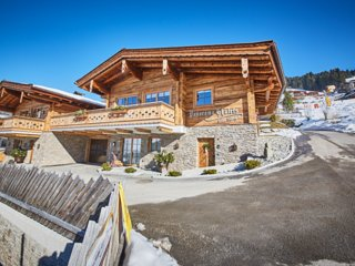 Panorama Chalets - Hütte Kristall by HolidayFlats24