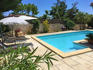 LS1-334 TERRADOU Beautiful rental with private pool in Maussane, 5 sleeps.