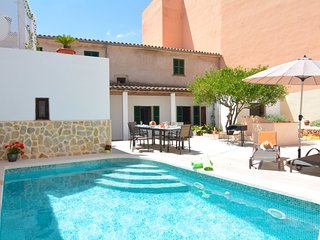 Mallorca Town House with pool beaches 20 mints