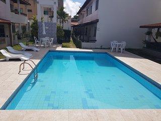 Casa 4/4(Amplos), Cond.Fechado com piscina, 150m2