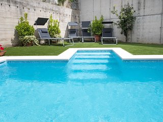 AZALEA - PRIVATE POOL - 20 minutes from Barcelona