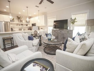 Magnolia Cottages by the Sea - Sweet 17 - Sleeps 14 - Golf Cart!