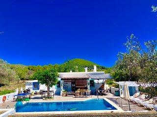 Magica casa payesa con piscina y sin vecinos