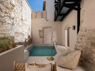 Villa with pool and terrace in old town of Rethymno - Sutor Chic Manor