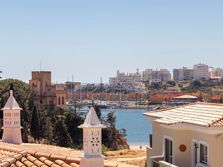 Luxury Townhouse n024 in Ferragudo, Sea views, Air-con