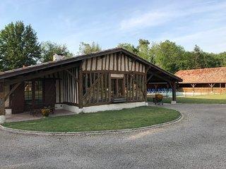 Maison Landaise 3 chambres en suite avec jacuzzi privé et piscine.