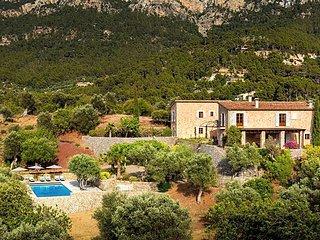 4 bedroom Villa with Air Con and WiFi - 5802578