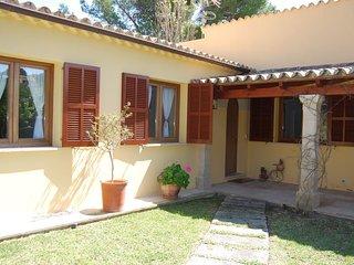 Beautiful 3 Bedroom Villa, near Pine Walk, Puerto Pollensa