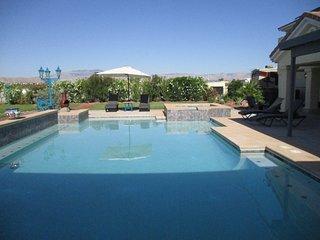 Stunning Views/8 Bed 6 bath/Pool/Tennis close to Strip