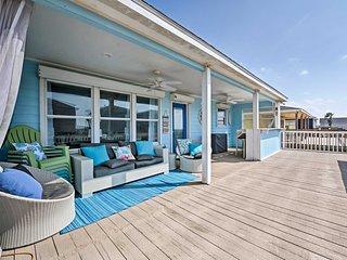Surfside Beach Home w/ Deck, Walk to Ocean!