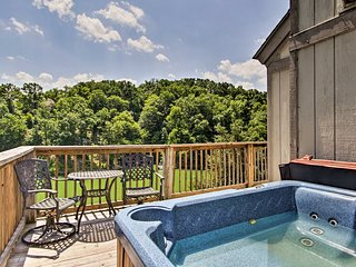 NEW! Sevierville Family Cabin on Lake w/ Game Room