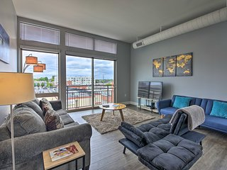 NEW! Modern Indianapolis Condo, Walk to the Circle