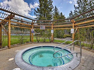 Tahoe City Townhome w/ Pool & Hot Tub Access!