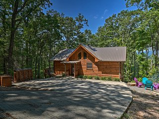 A Sunset Dream' - Upscale Blue Ridge Cabin!