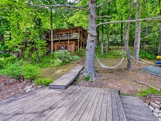 NEW! Chattooga Lakefront Cabin w/Hot Tub+Pvt. Dock