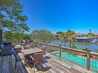 NEW! Lakefront Montgomery Home w/ Resort Amenities