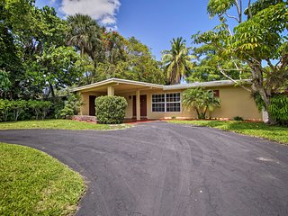 NEW! Sleepy River Home <4 Mi to Lauderdale Beaches