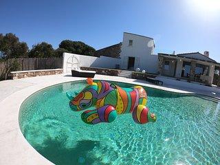 Meravigliosa Villa di lusso con piscina a sfioro a pochi passi dal mare
