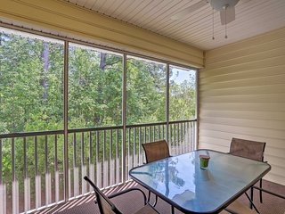 NEW! Myrtle Beach Condo on Golf Course w/ Pool!
