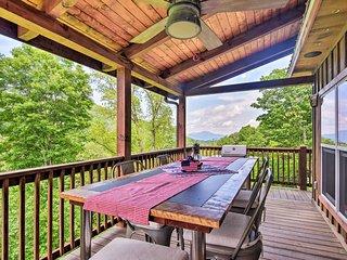 Waynesville Executive Retreat Cabin w/ 360° Views!