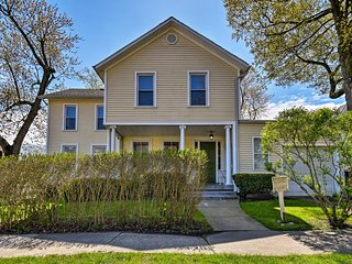 Historic St. Joseph House - 4 Minutes to Downtown!