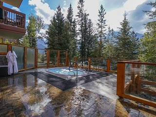 Spacious Mountain Escape | Private Balcony + Shared Outdoor Hot Tub