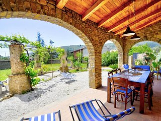 San Salvatore Telesino Holiday Home Sleeps 6 with Air Con - 5803053