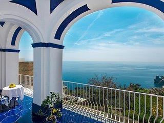 Positano Holiday Home Sleeps 6 with Air Con - 5803054