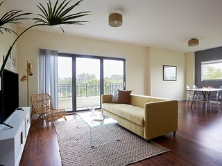 Sonder | MiMo District | Lovely 2BR + Balcony