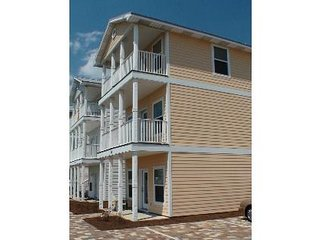 Great Ocnviews, 5 Bedrm/3.5 Bth (Slps 16) Swim Pool, Pool Table & Steps to Beach