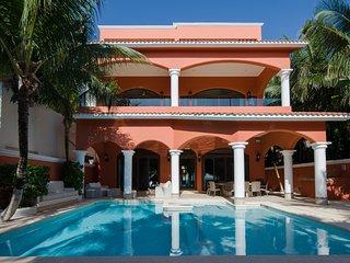Beautiful, Luxury -Villa Sueno del Mar located in Soliman Bay