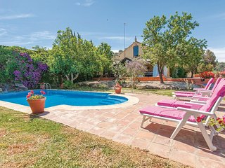 Amazing home in Coripe w/ Outdoor swimming pool and 5 Bedrooms