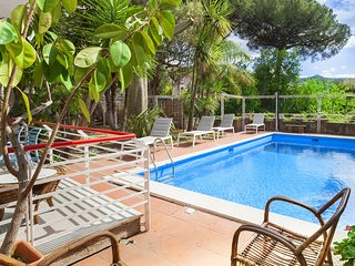 Casa Marianna with Swimming Pool and Private Garden near Sorrento