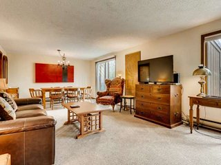 2 Blocks from Main St! Master BR has Private Balcony! Spacious, Great for Famili