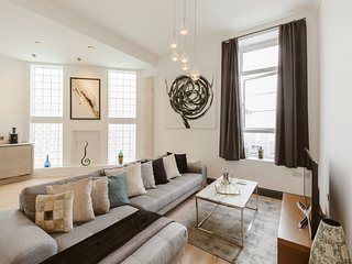 nice 3 Bedroom warehouse conversion apartment