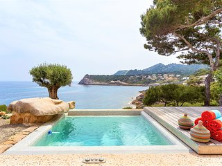 Mallorca Front Line Property Direct Access to Sea