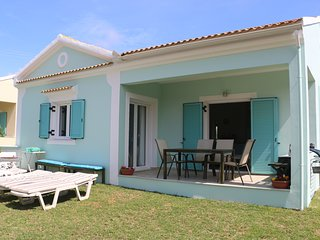 HYACINTH VILLA  - 2 bedroom and walk to the beach and all local amenities