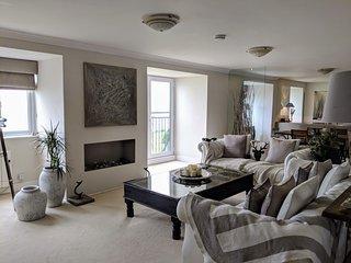 Stunning 3 Bedroom Ocean View Penthouse!!