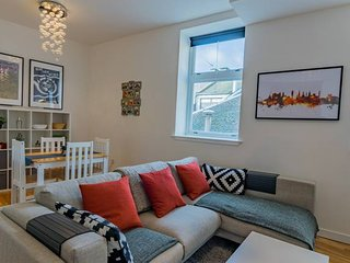 Bright Central Two Bed Loft