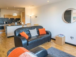 Bright, modern, spacious city-centre 2-Bedroom Apt