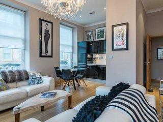 Elegant 2 bedroom flat in Merchant City, Glasgow