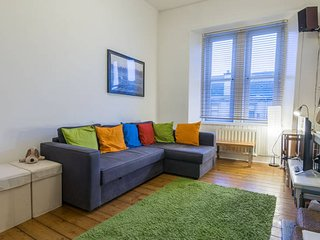 Glasgow Westend 1 bedroom Flat for up to 4 pax.