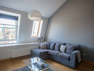 Luxury Top Floor Apartment Merchant City Glasgow