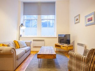 Modern Flat in Excellent (G1) Location