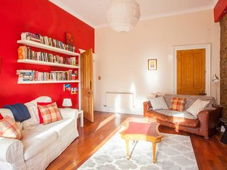 Spacious, arty 3 Bed West End flat