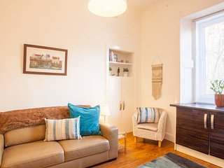 Tastefully decorated West End tenement apartment