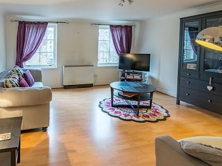 Luxury 2 bed Flat. Glasgow City Centre. Sleeps 4