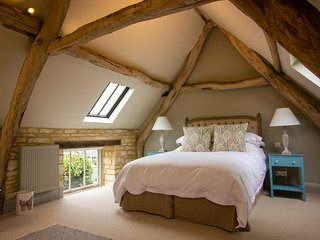 NEW! Luxury Barn, The Potting Shed, Cirencester, 1 bed