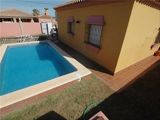 Rumboalsur chiclana villas with private pool