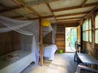 Mountain Riverside Resort - 1 Full 1 Twin (First Storey)
